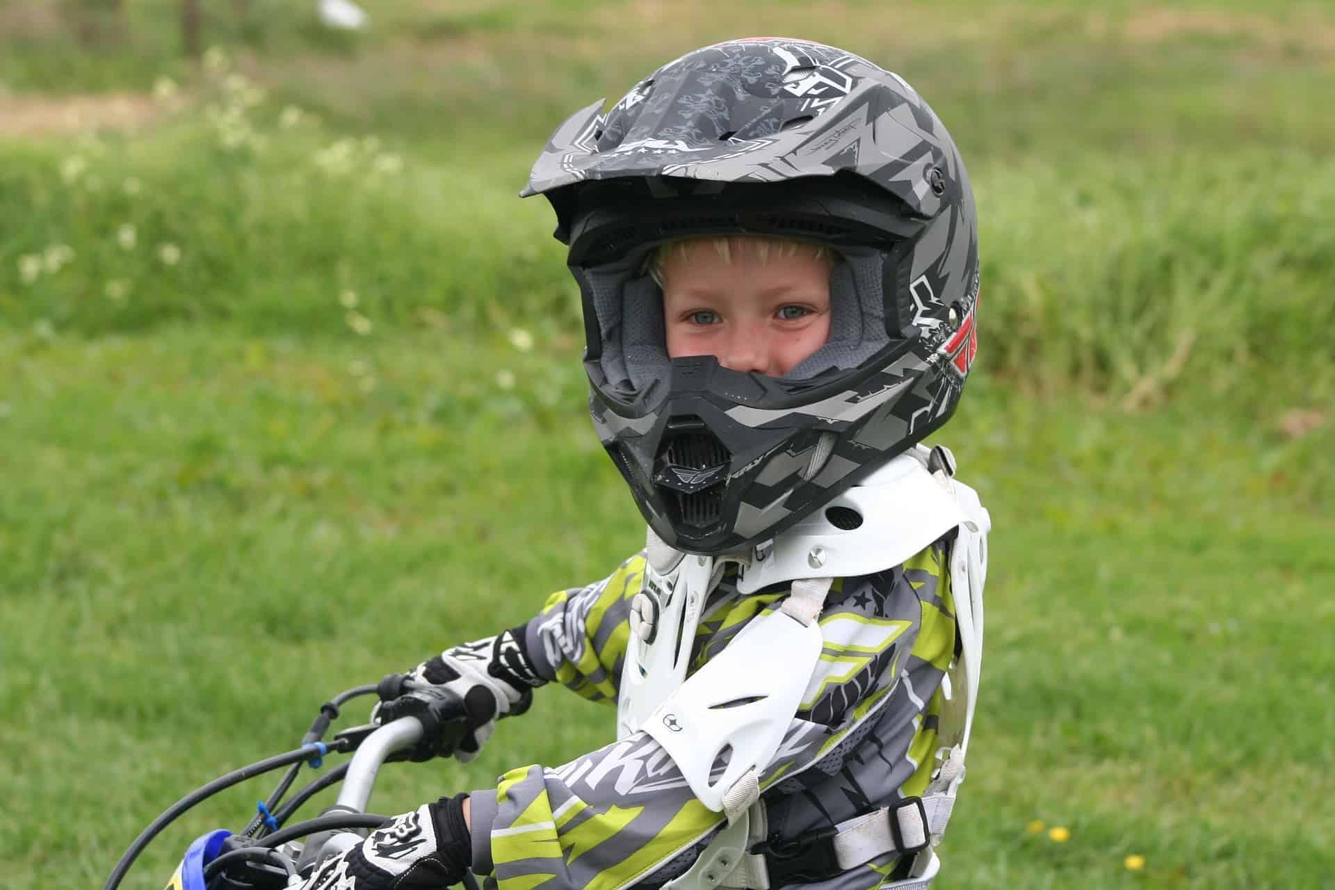 Kinder Motorradhelm: Test & Empfehlungen (02/21)