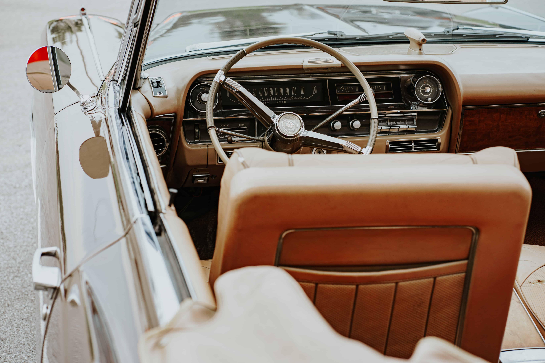 Autopolster reinigen: Tipps und Tricks